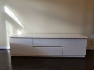 White Sideboard/TV Stand Bench