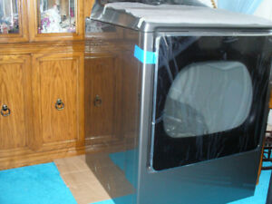 BRAND NEW KENMORE DRYER FOR SALE!!!!