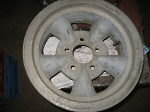 "Vintage Magnesium look mag wheel, 14""X6"", sell or trade."