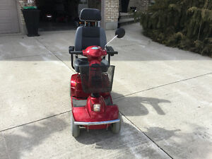 4 WHEEL MOBILITY SCOOTER LIKE NEW Kitchener / Waterloo Kitchener Area image 4