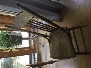 Superbe chaise en bois