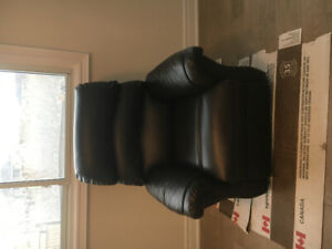 Lift chair! Great condition