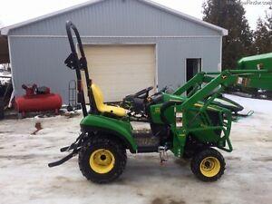2014 John Deere 1023E Compact Tractor – ST4702