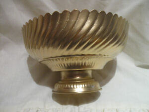 LARGE ORNATE GOLD SCALLOPED-TOP FOOTED FLOWER POT