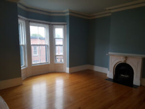 Large 2 Bedroom Apartment Uptown