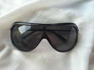 Guess Unisex Sunglasses men's women's