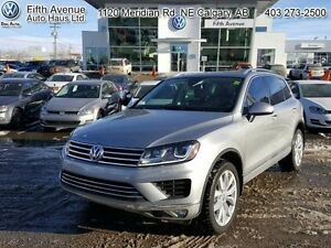 2015 Volkswagen Touareg 3.6 Execline   - one owner - local - tra