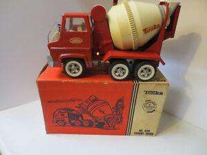 Vintage 1960's Tonka 620 Cement Truck w/ Box