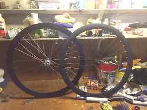 Velocity B43 wheel - fixed gear - track bike