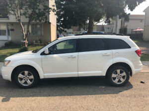 2012 Dodge Journey crew *Well maintained and low KMS*
