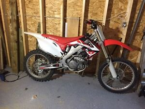 2009 crf450r  Moose Jaw Regina Area image 2