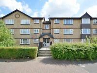 2 bedroom flat in Stubbs Drive, Bermondsey SE16