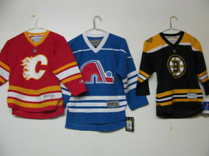 NHL OFFICIAL HOCKEY JERSEY /NWT/YOUTH/30 STYLES CANADA CALGARY