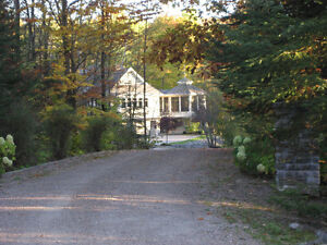 LUXURY LAKE HOME/COTTAGE just 30 minutes from Ottawa Kingston Kingston Area image 2