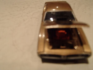 Loose Greenlight AUCTION BLOCK - 1971 '71 DODGE CHARGER R/T Gold Sarnia Sarnia Area image 5