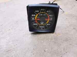 Speedo et autre indicateur antique BRP $30.00 ch.