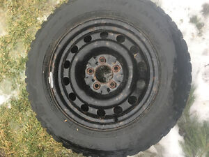225/60r16 snow tires and rims like new