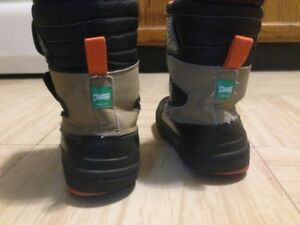 Kids snow boots- Cougar- Kids size 12