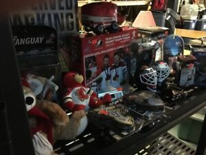 HOCKEY  COLLECTABLES NEW --GREAT CHRISTMAS GIFTS