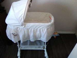 Bassinet+bouncy chair for sale