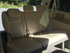 2008 Chrysler Town & Country Limited, Ideal for Young Family Peterborough Peterborough Area image 6