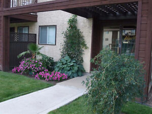 2B - RENOVATED - NEW APPLI. - IN-SUITE LAUNDRY - UPLANDS - July1