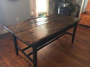 Rustic harvest table 3.5x6feet