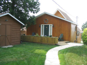 Georgian Bay Waterfront Cottage - 6 wk rental available