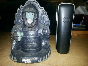 PLANET OF THE APES MADE OUT OF HEAVY RESIN BY NECA 2001. London Ontario image 2