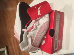 Girls size 9 PUMA shoes NEW