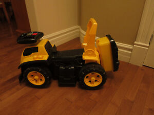 Ride on construction truck for toddlers London Ontario image 3