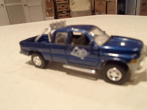 Loose Blue 1996  '96 DODGE RAM Extended Cab by JOHNNY LIGHTNING Sarnia Sarnia Area image 8