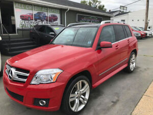 2010 Mercedes GLK 350 AWDWith AMG Package!