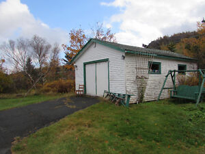 JUST LISTED…1.58 ACRE ESTATE..1 OWNER BUNGALOW...AVONDALE. St. John's Newfoundland image 7