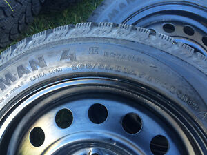 4 winter tires with rims West Island Greater Montréal image 2