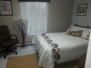 Superbe chambre à louer pour travailleur occasionnel.