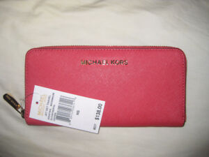 MICHAEL KORS MK Wallet all new with tags !! amazingMELON