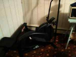 Elliptical machine Oribtrek