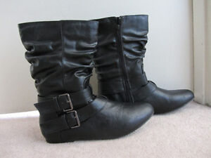 Le Chateau black Boots