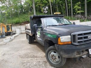 1999 Ford F550  XL Pickup Truck