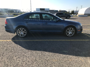 Ford Fusion SE. Excellent condition.