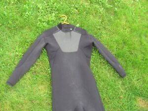 Quiksilver 4/3 XL wetsuit in good condition