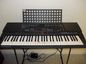 Electric Yamaha Keyboard