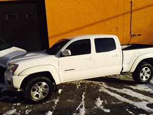 2013 – 4x4 Toyota White Tacoma **Reduced Price**