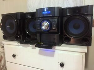Sony MHC-EC909iP Mini Hi-Fi Stereo System (Sub-woofer included)