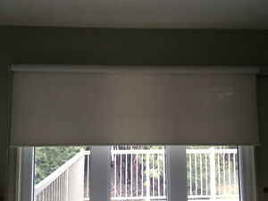 Roller sun shade blinds