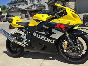Amazing GSXR750 with many extras