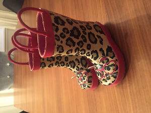 Toddler size 5 rainboots