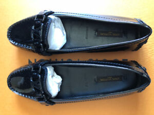 Brand New Authentic Louis Vuitton Flats In Black