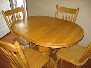 ALL OAK TABLE AND CHAIRESIN GREAT CONDION Peterborough Peterborough Area image 9